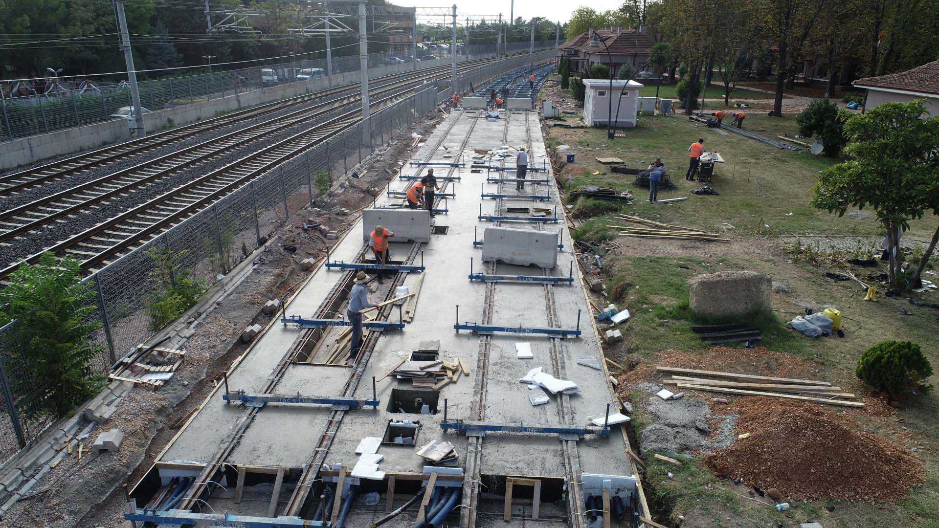 Plajyolu tramvay hattı hızla ilerliyor