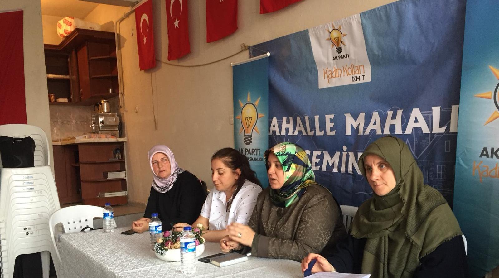AK kadınlardan mahalle mahalle seminer