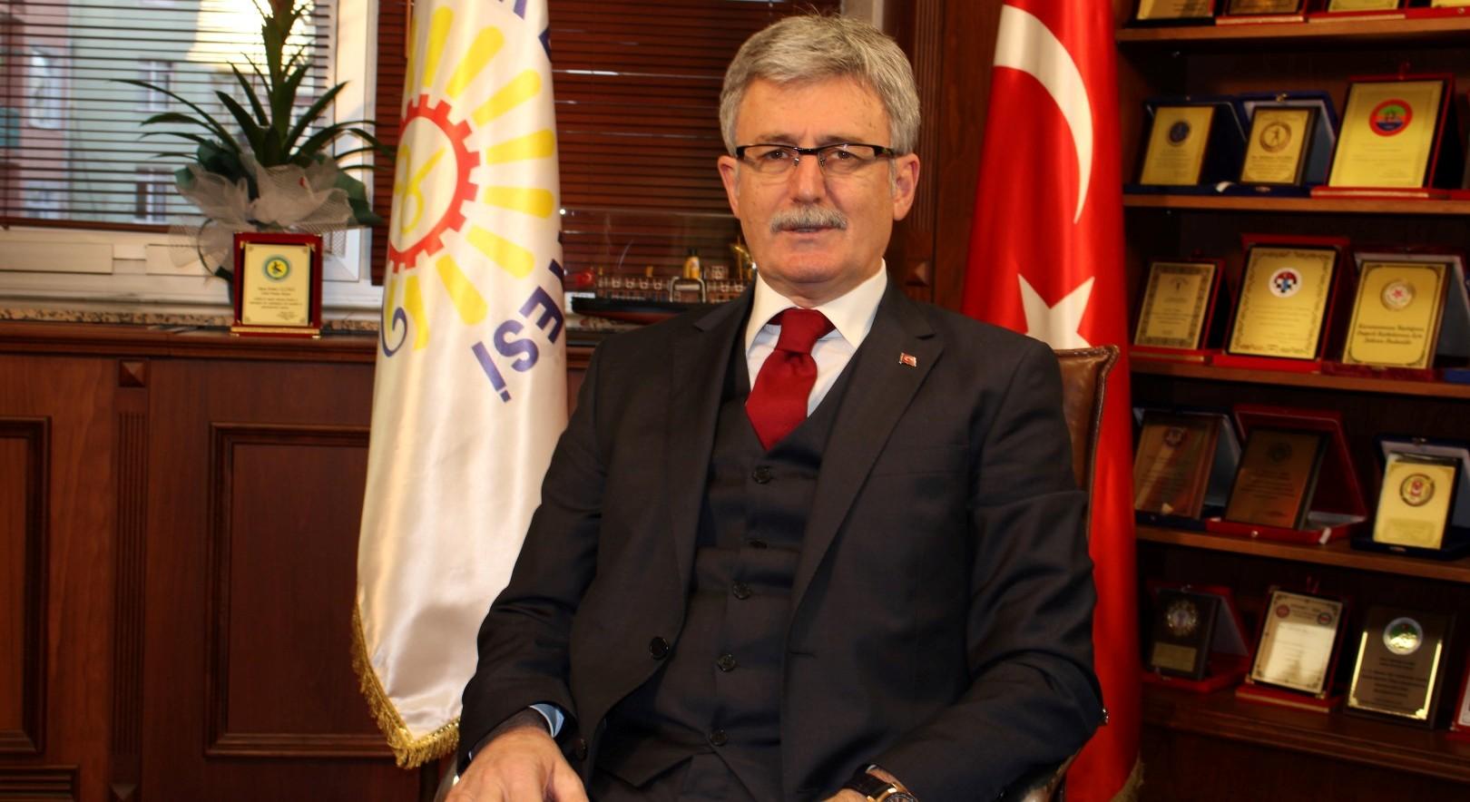 """""""Tüm vatandaşlarımızın Kızılay Haftası kutlu olsun"""""""