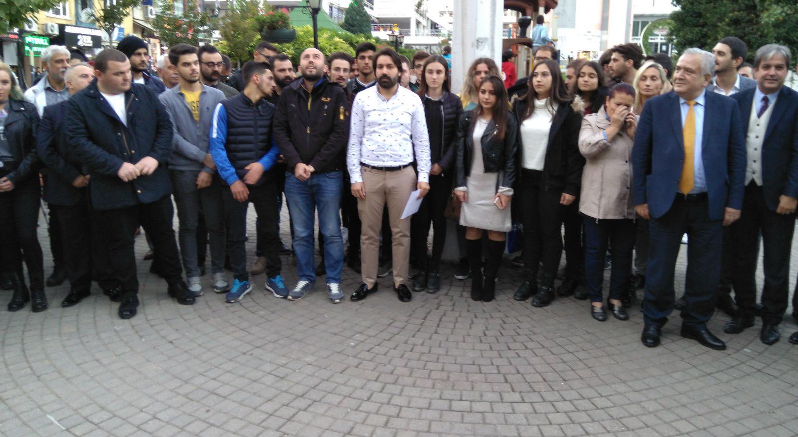 CHP'li gençler, andımızı okudu