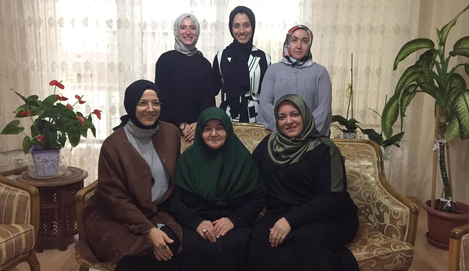 AK Kadınlardan üyelere ziyaret