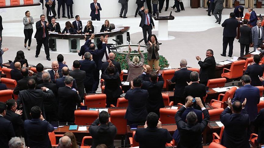 EYT önergesi, AKP'ye rağmen kabul