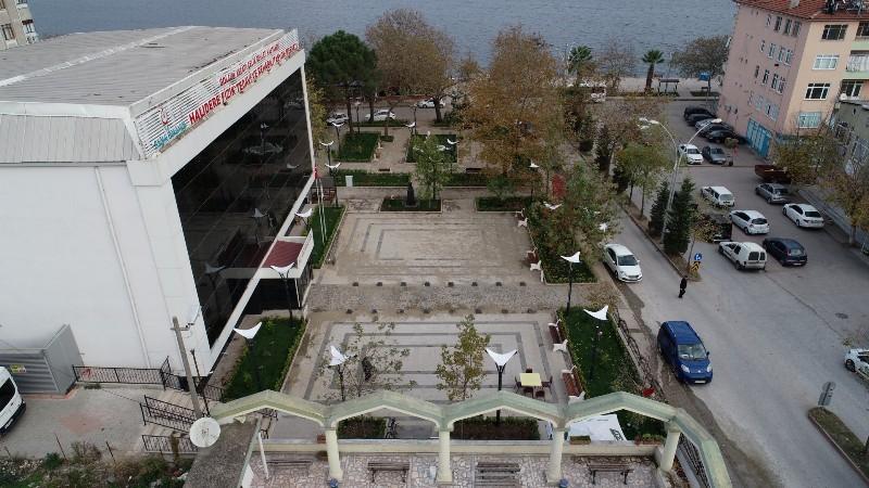 Halıdere Kent Meydanı tamamlandı