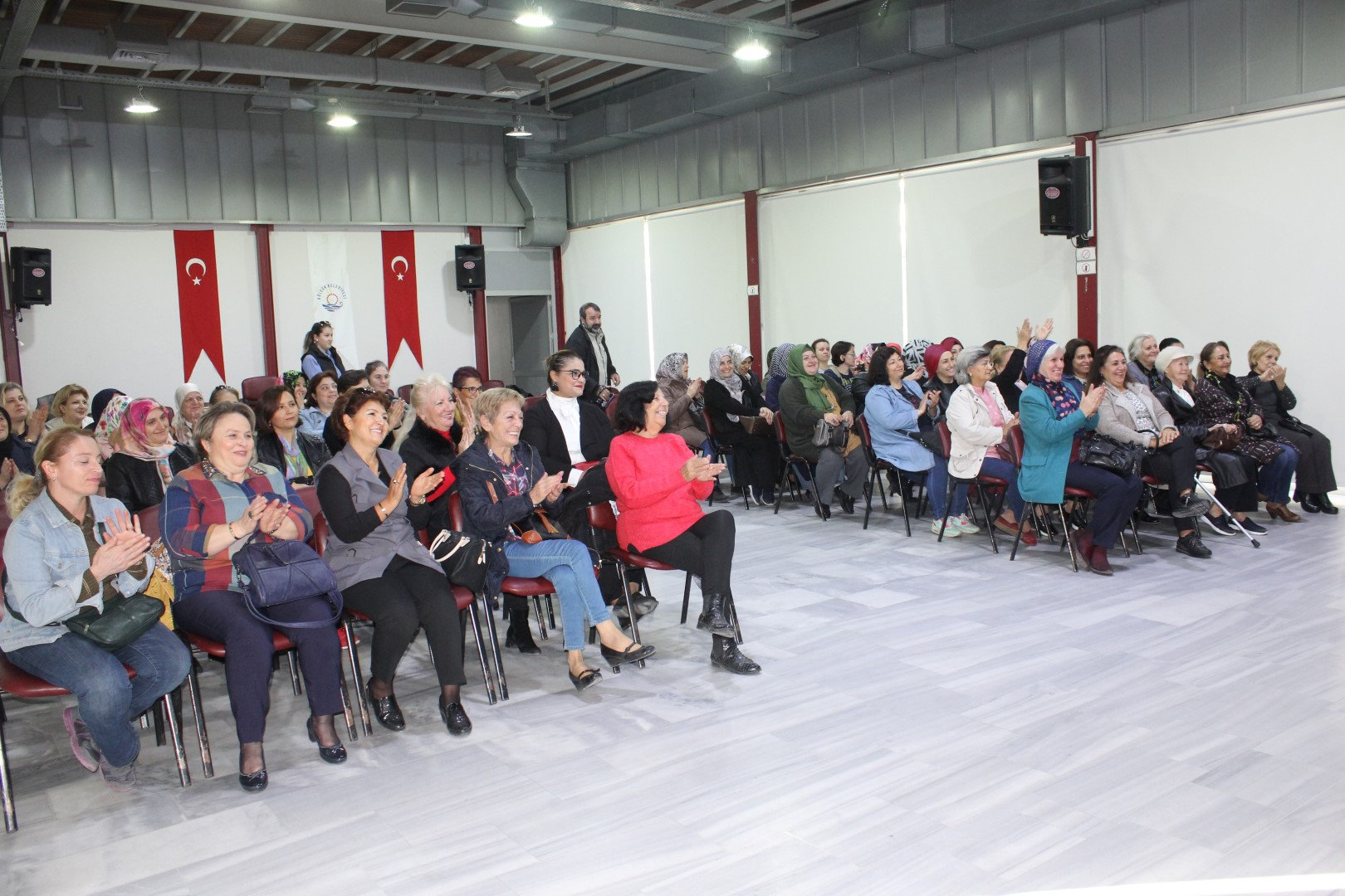 Bayanlar Meclisi toplantı gerçekleştirdi