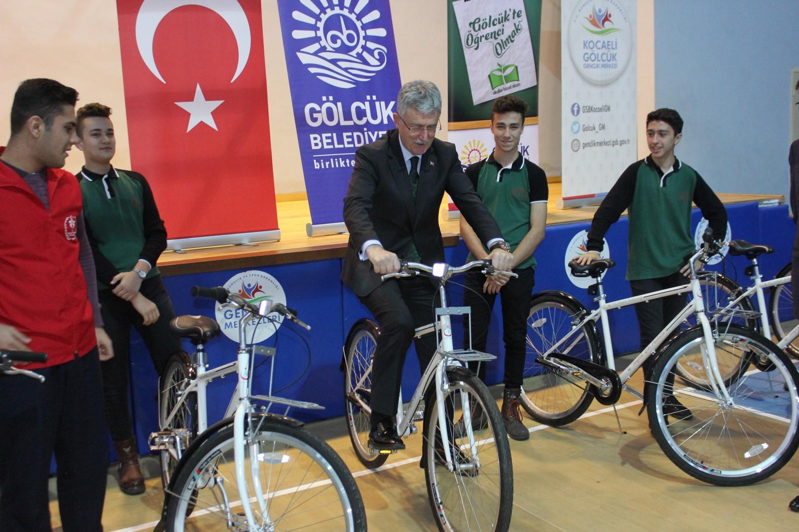 Başkandan 10 bisiklet