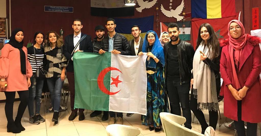 Cezayir' İzmit'te yaşattılar