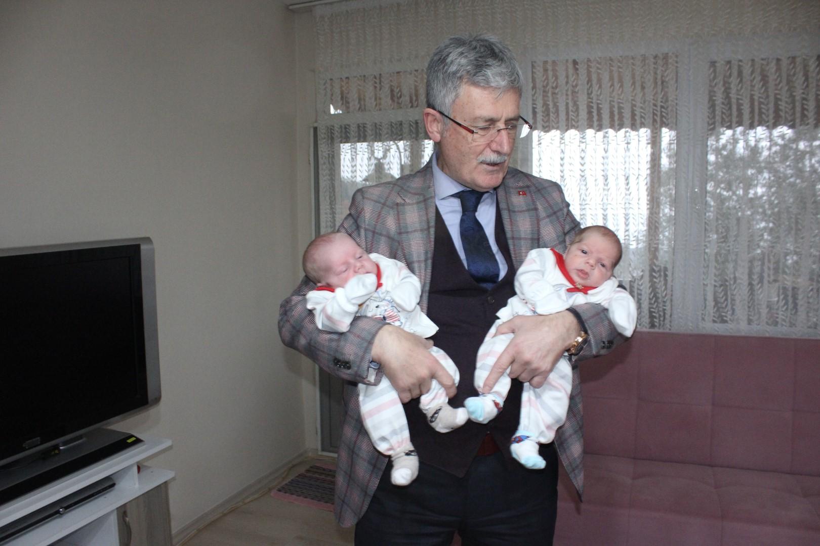 Başkan Ellibeş'ten bebek ziyaretleri