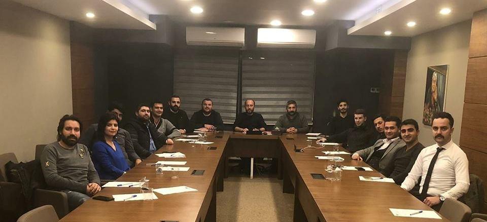 """""""Türkiye'yi yöneten kadrolar artık değişmeli"""""""