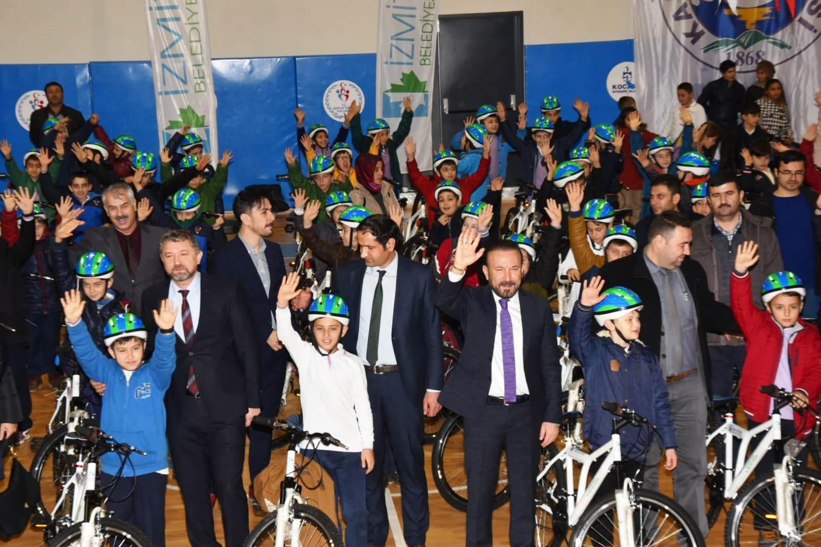 Bisikletler başkan Doğan'dan
