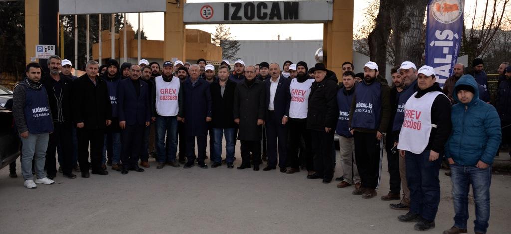 CHP, İZOCAM işçisinin yanında