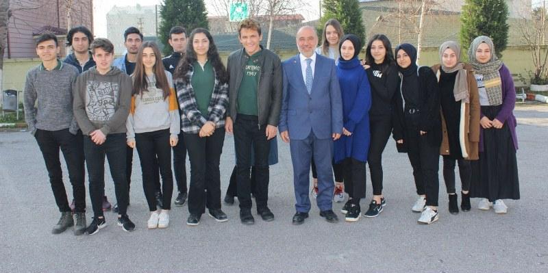 Sarıdoğan, mezun olduğu okulda