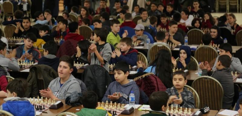 Satranç turnuvası start aldı