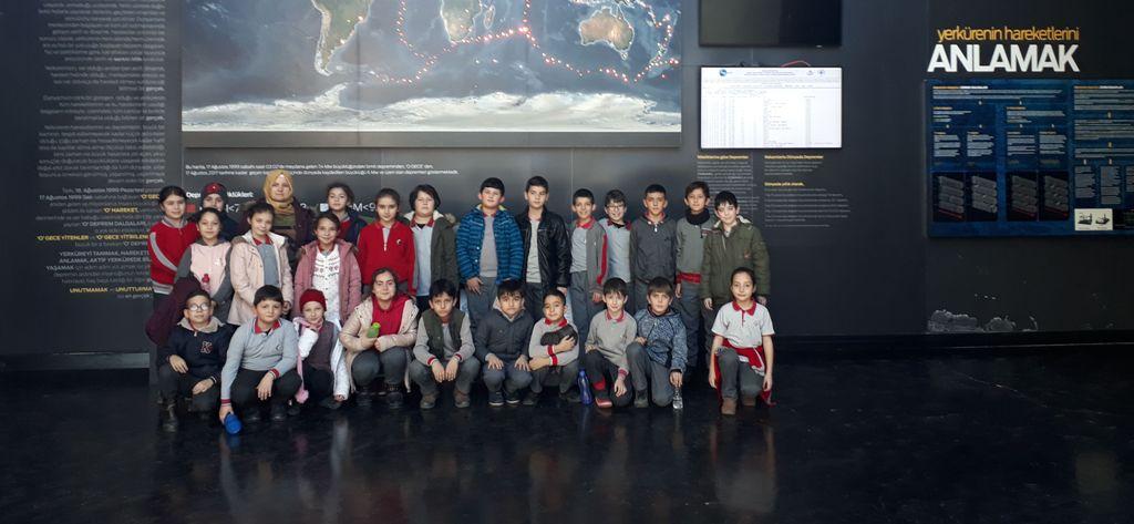 Deprem müzesi, öğrencileri ağırlıyor