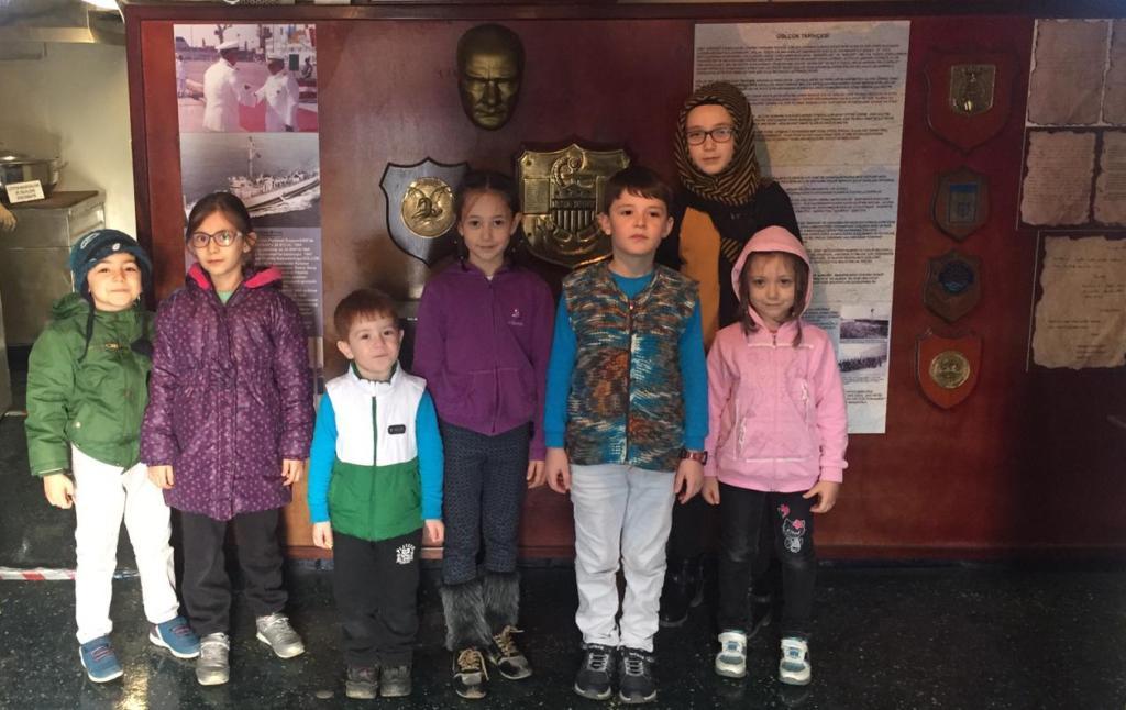Çocuklar, Yarhisar Müze Gemisi'ne akın etti