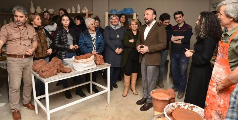 Başkan Doğan, çömlek yaptı