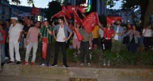 İstanbul zaferi, İzmit'e taşındı
