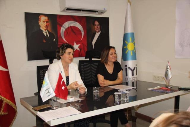 İYİ Partili kadınlardan ilk toplantı
