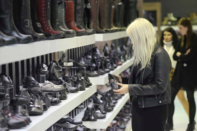 600 milyon insana ayakkabı