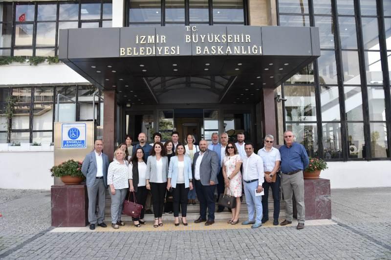 Başkan Hürriyet ve kurmayları İzmir'de