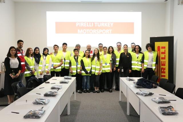 Pirelli, TEKNOFEST'te başarılı olan öğrencileri ağırladı