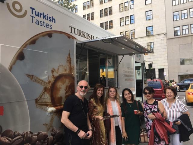 Türk lezzetleri, Türk kahvesiyle tanıtıldı