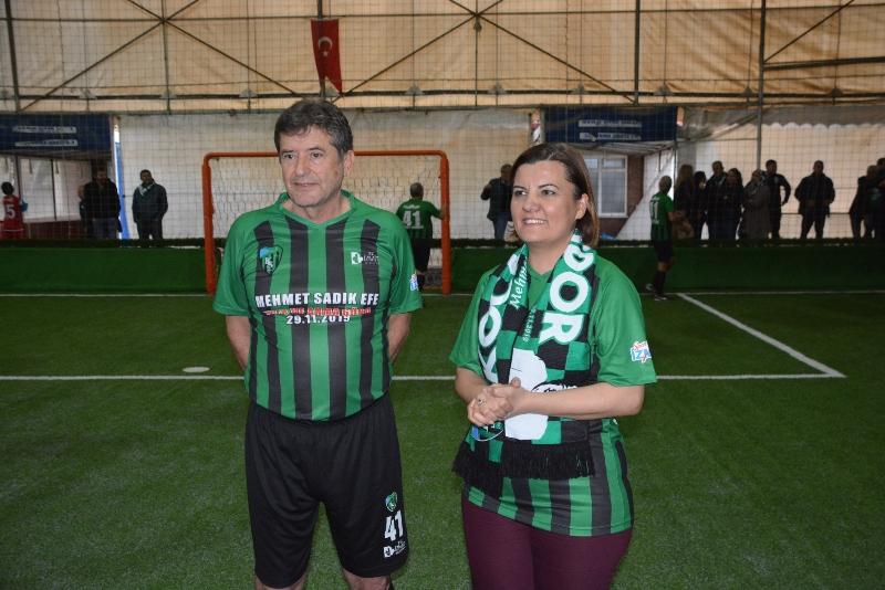 Efsane futbolculardan Efe programına teşekkür