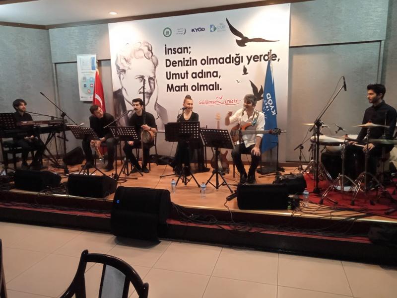 İstanbul Kainat Radyosu'ndan muhteşem performans