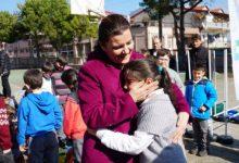 Başkandan Akmeşeli çocuklara spor malzemesi