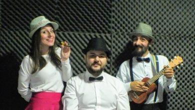 Şapkalı Notalar Grubu sahnede
