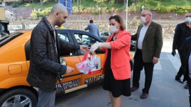 Hürriyet'ten taksicilere sağlık kiti desteği