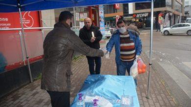 İzmit Belediyesi, Bekirdere'de ücretsiz maske dağıttı