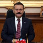 Vali Aksoy, hemşerilerinin bayramını kutladı