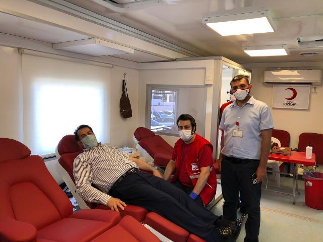 AK Parti Kocaeli, kan bağışı yaptı