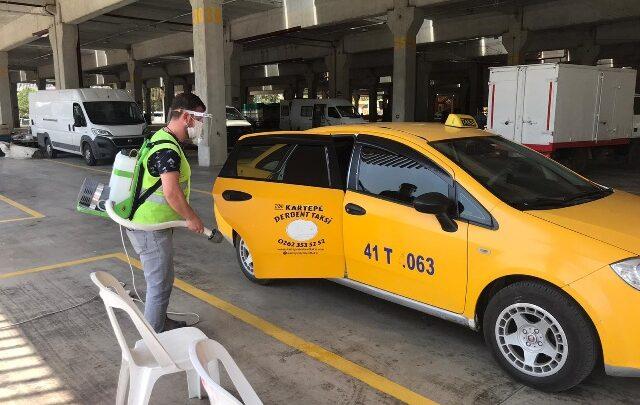 Taksilerin dezenfektesi sürüyor