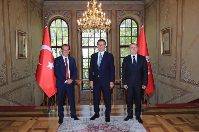 """""""BİZİM KAPIMIZ HERKESE AÇIK"""""""