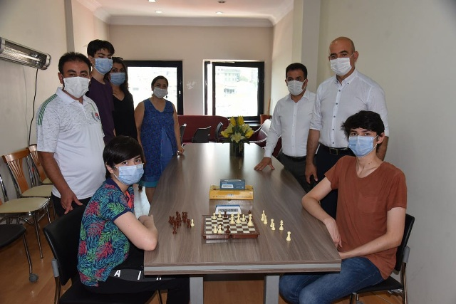 İzmit Beleyesi Online Satranç Turnuvası'nın kazananları belli oldu
