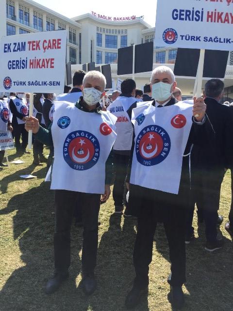 Bakanlık önünde protesto