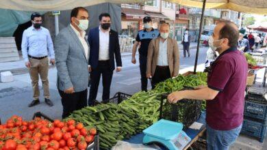 İzmit Belediyesi pazarcı esnafını yalnız bırakmadı