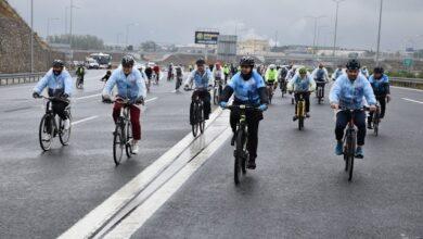 Körfezi bisikletle geçtiler